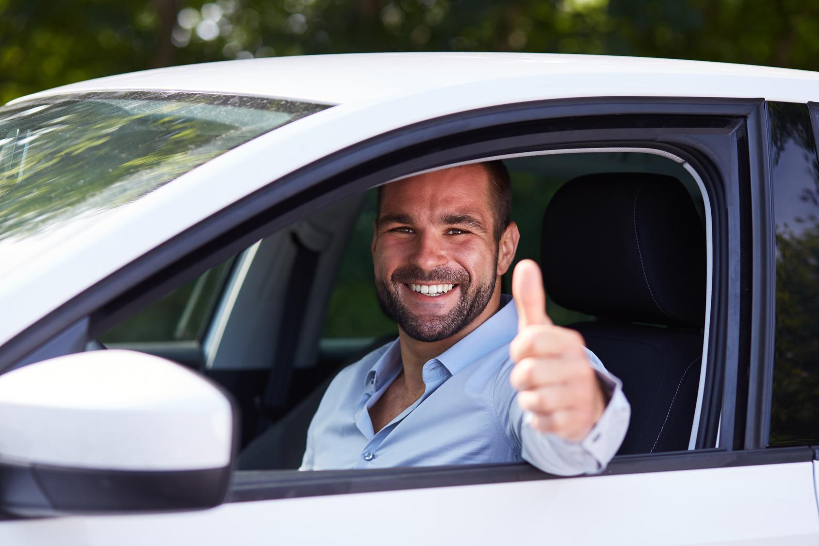 Fahren Sie sanft Mit JimDrive ausgezeichnete Auto-Dienste