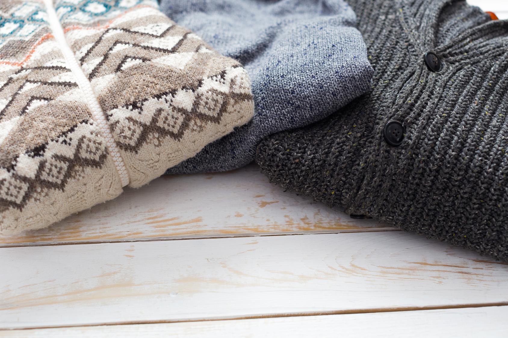 Moderner Strickmode für Damen und Herren aus Kaschmir, Wolle und Baumwolle