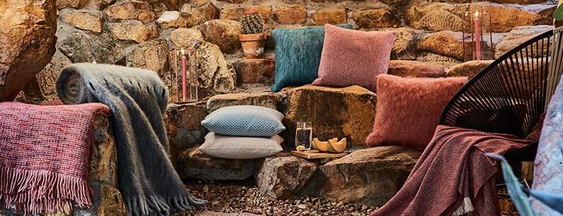 Möchtest du jedes Ecke Ihres Hauses attraktiver zu machen? Entdecke tolle und Hochwertige Heimtextilien und Wohnaccessoires auf URBANARA.de